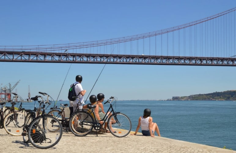 lisbon to belem by bike with Thomas